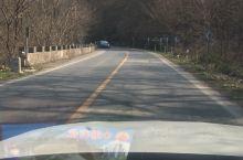多年前,当合巢芜高速尚未通车时,往来交通都是翻越巢湖旁的太湖山的。那时道路险峻,往来车辆很少。时隔多