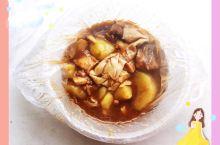 黄焖鸡米饭一直都比较喜欢吃,这家的黄焖鸡米饭,除了咸点味道还是不错的,所以今天又在网上订餐了。