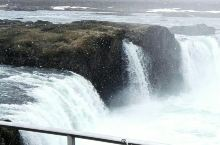 冰岛的众神瀑布