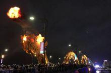 岘港城区 龙桥喷火 龙桥