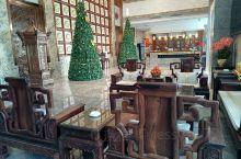 回廉江探亲,在海陆空这家酒店和亲戚吃了一顿饭,酒店环境非常高大上,菜品丰富,味道也不错,海鲜特别好吃