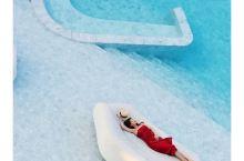 泰国芭提雅|非常哇塞的冰蓝泳池酒店,必住