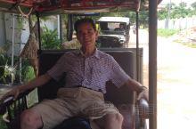 柬埔寨的嘟嘟车是主要的交通工具