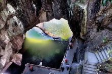 蛇蟠岛是国家 AAAA 级旅游景区,地处浙东沿海三门湾畔,甬台温经济带黄金节点,距三门县城 17.5