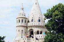 布达佩斯是多瑙河上的璀璨明珠,左手布达右手佩斯,不仅赋予了这个城市的名字,也代表了迥然不同的生活方式