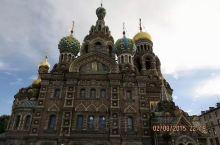 圣彼得堡夏宫,这里是我最喜欢的地方!露天的草坪花园,还有喷泉广场,数不清的花草树木,明媚的阳光,放松