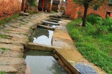 上清古镇已经有上千年的历史。该镇属龙虎山风景区,距鹰潭市区25公里。位于上清宫景区内,距鹰潭市区25