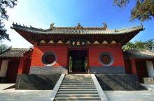 少林寺创建于北魏太和十九年(495年),孝文帝拓跋宏为安顿来朝传授小乘佛教的印度僧人跋陀,在与都城洛
