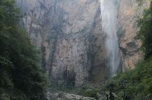 云台山风景区是我国五A风景名胜区,景区很大,有著名的茱萸峰。