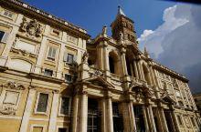 永恒之城一一罗马是世界天主教教会中心,全城大大小小有700座教堂和修道院。俗话说: 香港银行多过米铺