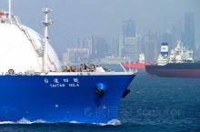马六甲海峡中看船