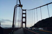 黄昏中的大桥
