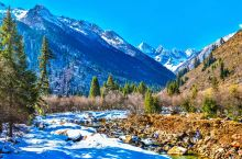 这才是11月最值得去的地方 因为中国国土辽阔,所以一到了冬天,就变成可能性最多的季节。爱雪的,北上玩