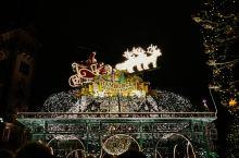 每年11月下旬,德国各地就开始举办圣诞集市,一般持续到圣诞节甚至新年后。圣诞集市起源于中世纪晚期的德