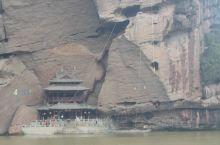 """龙虎山位于江西鹰潭市西南。东汉,正一道创始人张道陵曾在此炼丹,传说""""丹成而龙虎现"""",山因得名。 其中"""
