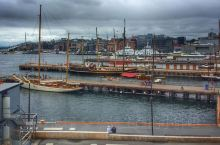 奥斯陆挪威首都及第一大城市,是挪威的政治、经济、文化、交通中心和主要港口,也是挪威王室和政府的所在地