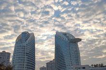 来湛江旅游的朋友建议入住金沙湾这家民生喜来登酒店,酒店性价比超高,还可以到不远处的海边走走,景色很美