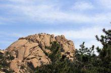 """二龙山是首批国家AAAA级旅游区,素有""""哈尔滨东花园""""之称,位于哈尔滨市东50公里处,东经127度2"""