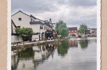 绍兴安昌古镇,有市井气息的小镇,商贩大都是居民,售卖各种特色食品,绍兴黄酒,酱油,霉干菜,笋干,是有