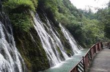 峡谷内风光秀丽,风格独特,风景如画。具有窄、长、秀、奇、清、灵、野、神、险、幽的特点,集峰、石、洞、