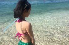 海边的小女孩