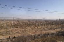 """鄂尔多斯,蒙古语意为""""众多的宫殿""""。是内蒙古自治区下辖地级市,位于黄河几字弯河套腹地,地处内蒙古自治"""