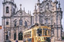 一见倾心的复古城市⛪️   蜿蜒的杜罗河(Rio Douro)穿过波尔图整个城市,时间仿佛在河的一边