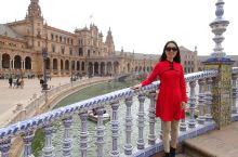 塞维利亚是西班牙的一颗璀璨生辉的明珠,很多建筑群被列为世界文化遗产。有《权利的游戏》中反复出现的黄金