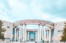 吐血整理   龙虎山精华游之地质馆道教馆  龙虎山游客中心堪称进入龙虎山的第一景。总占地面积17.3