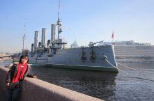 4月28日下午。回到市区,外观了阿芙洛拉巡洋舰、滴血教堂、参观了一个俄罗斯工艺品商店,然后利用𣵀瓦大