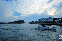 媲美维多利亚港的天然良港高雄港