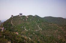 北京冶仙塔风景区依山傍水、风景秀丽,面向美丽的密云县城。山上的中国地图很有特色!