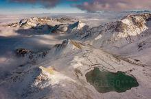 位于四川阿坝藏族羌族自治州黑水县境内的达古冰川是一处集冰川、雪山、森林、野生动物、草甸为一体的自然生