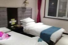 酒店住宿环境堪称三星级,价格比较实惠,也可以带早餐。挺不错的住宿体验,下次还会再次入住,五分好评