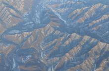 飞过太行山脉