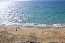 火山石悬崖沙滩