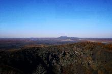 五大连池国家地质公园有着广袤而繁多的火山群,是我国非常珍贵的地质遗产,是火山爱好者们的必去之地。东北