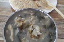 早餐时间,胡辣汤,蒸饺。
