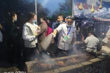 打卡新疆新源县,吃着烤鱼等杏花