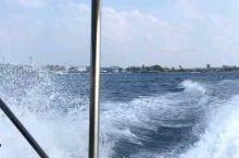 马尔代夫乘快艇出海