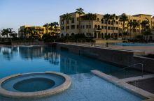 约旦亚喀巴红海滨的酒店