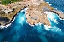 为了传说 恶魔的眼泪 ,特意带上航拍器跑到巴厘岛拍一次,应该是第一个航拍恶魔的眼泪晒成黑狗只求双