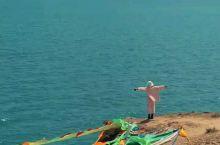 在青海湖悬崖我可以放空一整天看碧海蓝天