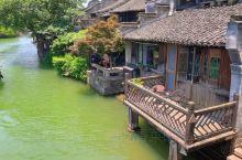 乌镇 建于唐咸通年间,京杭大运河绕镇而行,民居临河,是典型的江南水乡风情