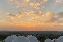 北欧星空帐篷,迷人的日落,湛蓝清澈的天空,一望无垠的草地!正个人都舒服啦