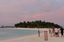 2020既然去了马尔代夫,是不是很幸运啊,还好及时回来了,要是一直住麻袋,该破产了……
