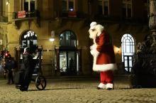圣诞快乐&新年好!圣诞老人真会玩