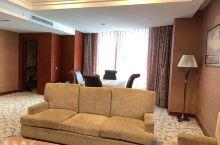 宽敞舒适的房间,最爱这里的早餐,强烈推荐一下!真心不错!