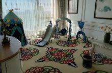 亲子套房,宽敞舒适,最主要有宝宝喜欢的玩具,孩子住的很开心,强烈推荐!