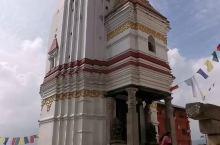 猴庙建在加德满都以西的山顶上